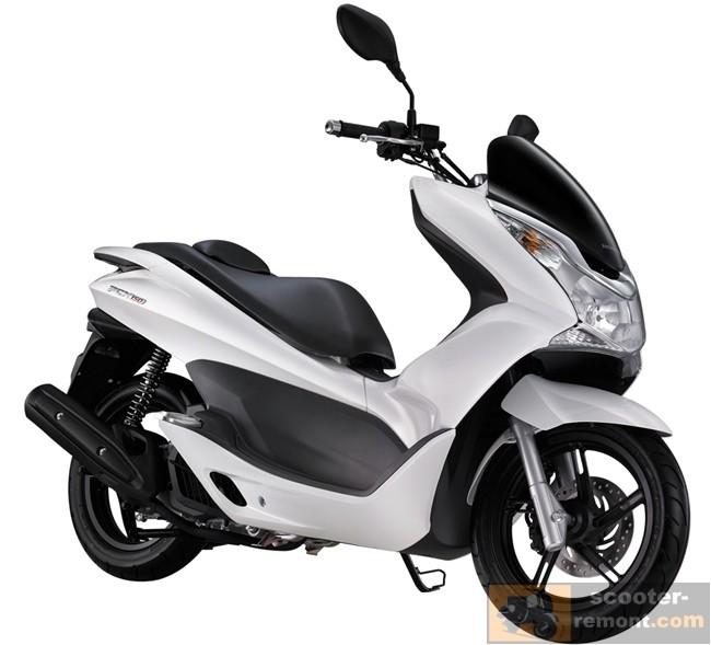 Обновленный Honda PCX 150 в белом цвете