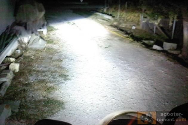 Пример освещения ксенона на скутере