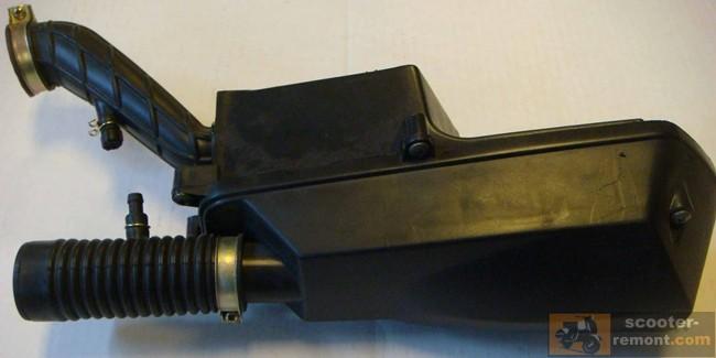 Корпус воздушного фильтра на скутере
