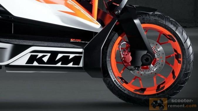 переднее колесо и вилка скутера KTM E-Speed