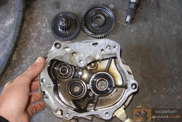 Замена шестерен редуктора на двигателе 139QMB