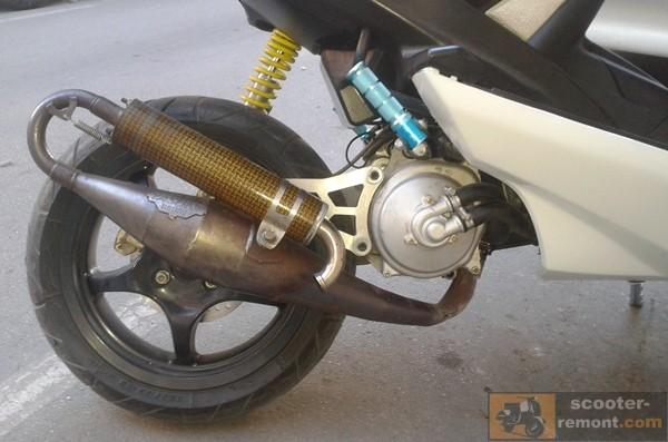 Yasuni Carrera - выхлопная труба премиум сегмента