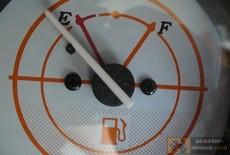 Индикатор уровня топлива скутера