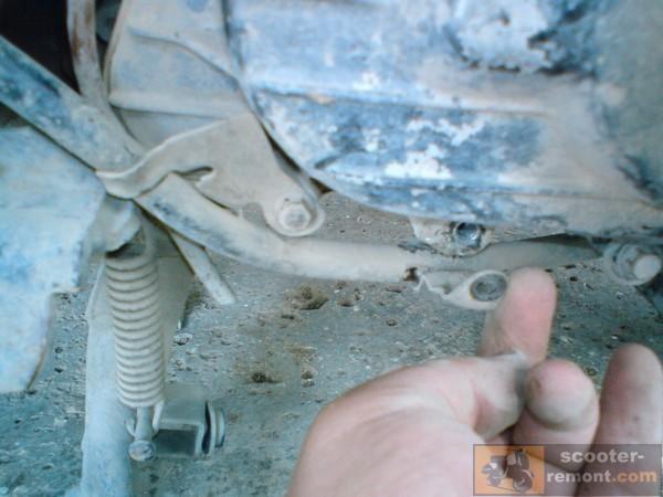 Пластина 2 тросика заднего тормоза