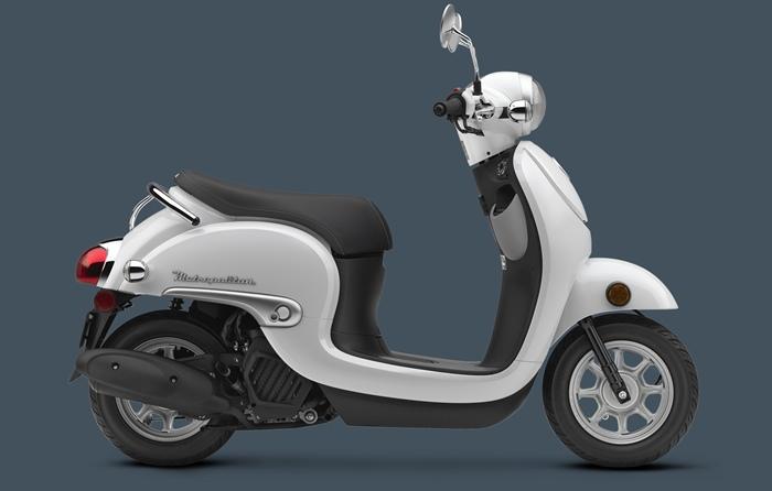 Белый Honda Metropolitan 2016