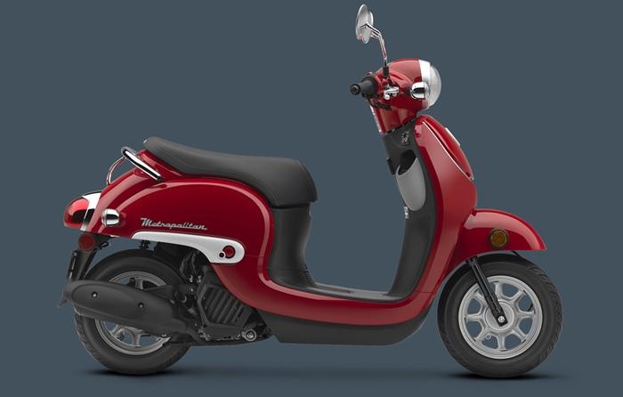 Красный Honda Metropolitan 2016