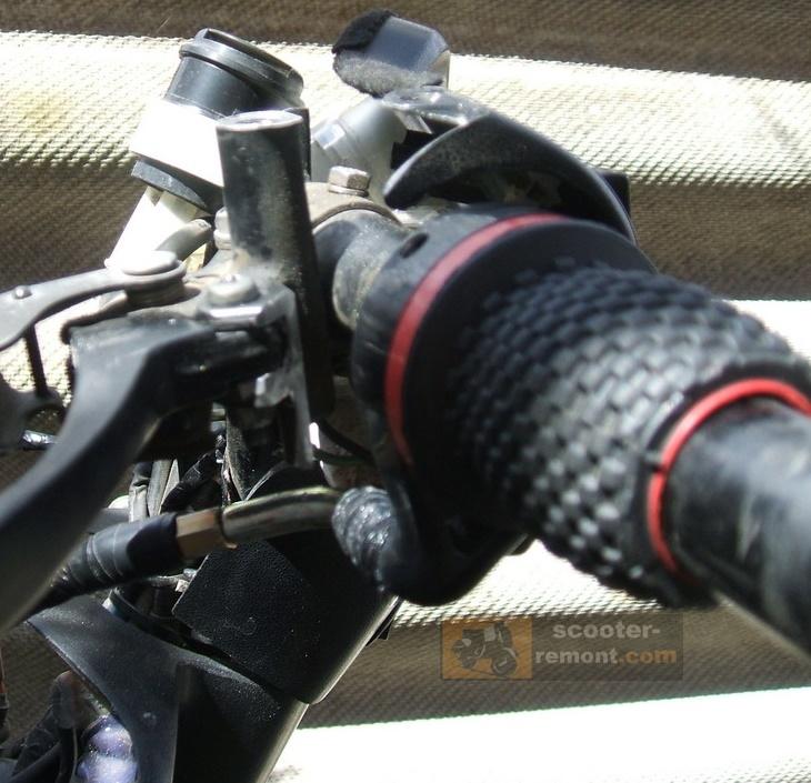 Регулировка ручного обогатителя на рукоятке руля
