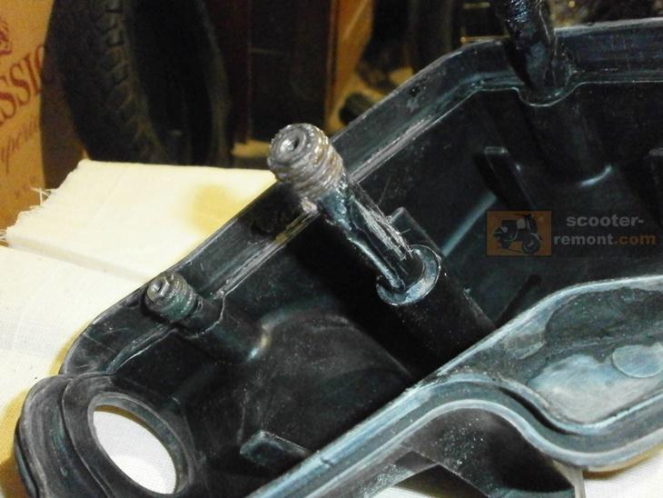 Укрепление стоек фильтрбокса клеем и нитками